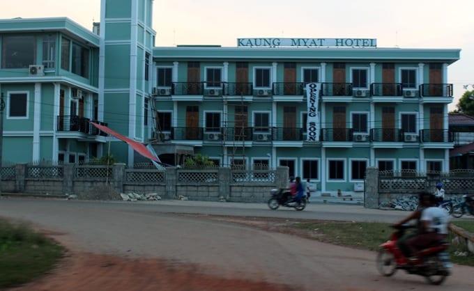 Mawlamyine hotel