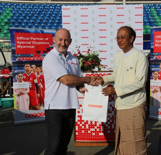 Ooredoo , Chief Operation Officer , Chris Bannister & Chairman of Special Olympics Myanmar, Rtd Col U Myo Myint