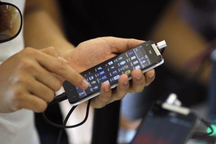 Myanmar mobile phone telecom smartphone (2)