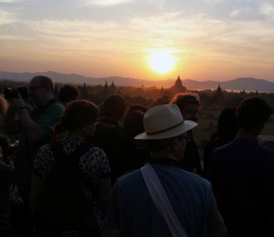 Bagan sunset tourists