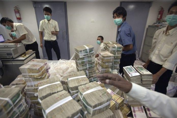 myanmar inflation kyat dollar exchange bank economy