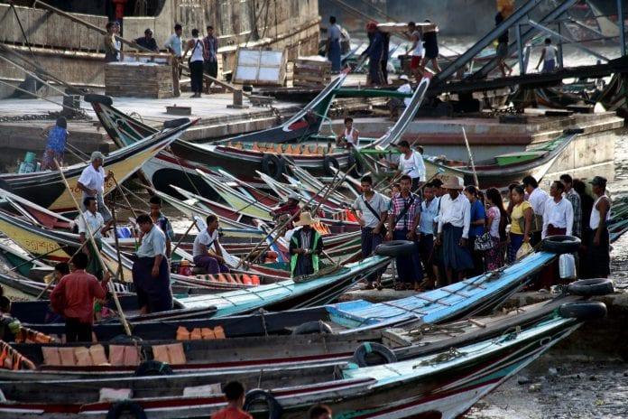 Economy investment yangon life poverty Myanmar (1)