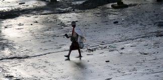 Economy investment yangon life poverty Myanmar (6)