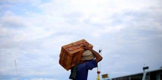 Economy investment yangon life poverty Myanmar (5)