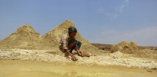 Gold mining Myanmar mine investment economy (1)