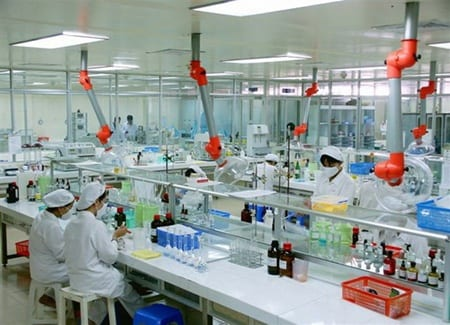 Drug quality control process in Hau Giang Pharma