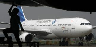 garuda airlines indonesia plane aviation (1)