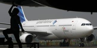 garuda airlines indonesia plane aviation (1)