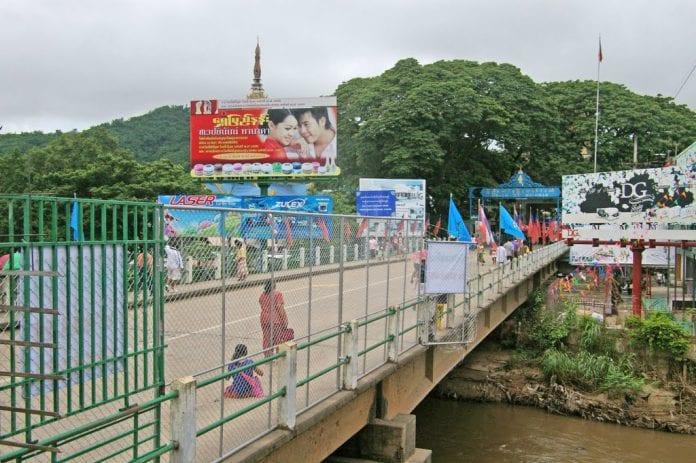 mae sai thai myanmar friendship bridge