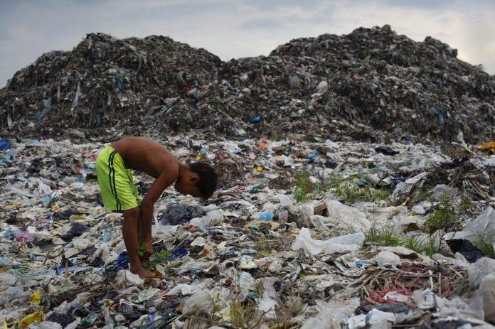 poverty yangon economy garbage waste myanmar