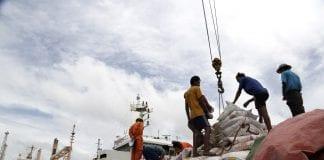 Myanmar port economy container export trade rice (2)