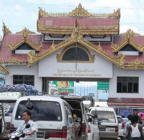 thai myanmar border myawaddy mae sot