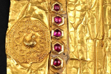 golden-letter-royal-seal-peacock