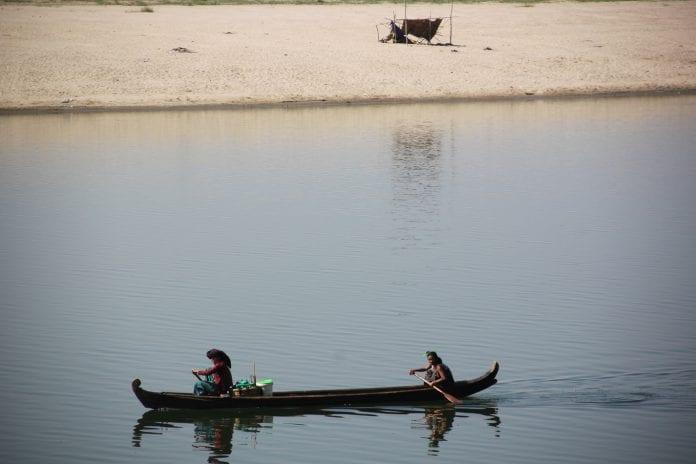 Ayeyarwaddy river bagan